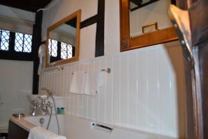 Rm 16 Bathroom